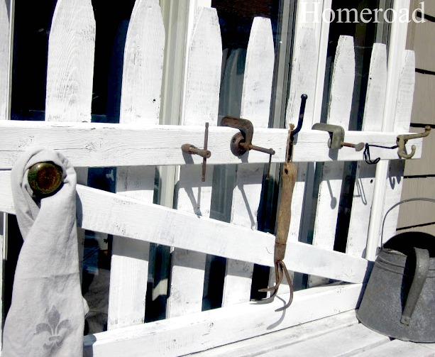 picket fence with hooks and knobs