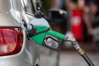 Petrobras aumenta pelo 2° dia seguido o preço da gasolina
