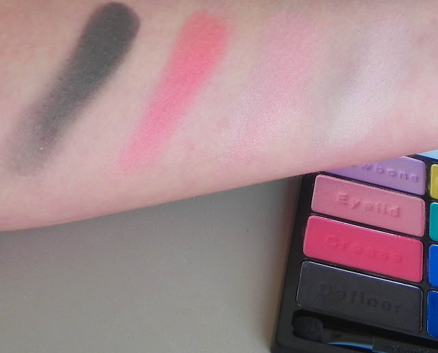 Paleta Poster Child Swatches 01