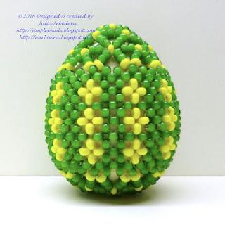 Пасхальное яйцо, оплетённое бисером в технике монастырского плетения