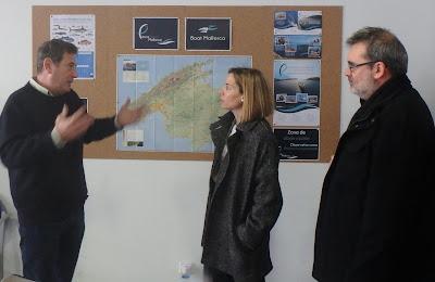 Visita de políticos de Calvia a Pescaturismo