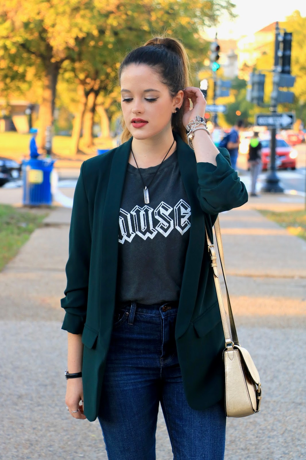 Nyc fashion blogger Kathleen Harper showing how to wear a graphic tee