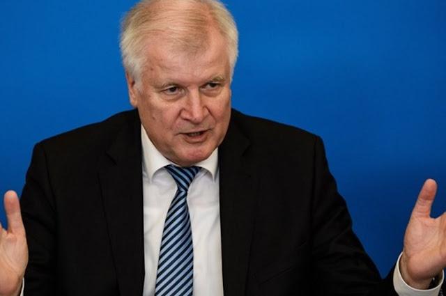 Διορία Ζεεχόφερ στον επικεφαλής της υπηρεσίας πληροφοριών