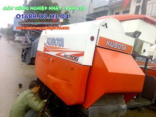 bán máy gặt lúa liên hợp kubota dc70 thái lan cũ bãi đi yên dũng bắc giang