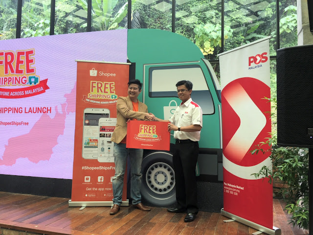 Dato' Mohd Shukrie Mohd Salleh (POS Malaysia) and Ian Ho (Shopee) launched the #ShopeeShipsFree program