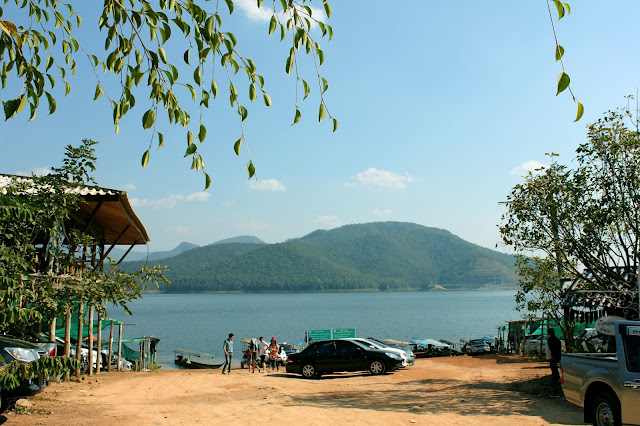 houseboats, Mae Ngat dam