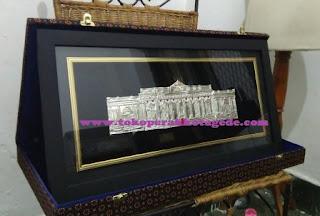 hiasan 2d istana merdeka,pigura,hiasan dinding, relief, perak,kuningan,tembaga,ukiran