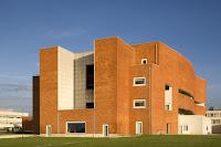 http://atecarturocom/2015/09/biblioteca-universitaria-aveiro-alvaro.html