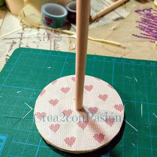 Organizador-cintas-washi-tape-reciclando-un-envase-de-snaks-base-carton-interior-Crea2-con-Pasión