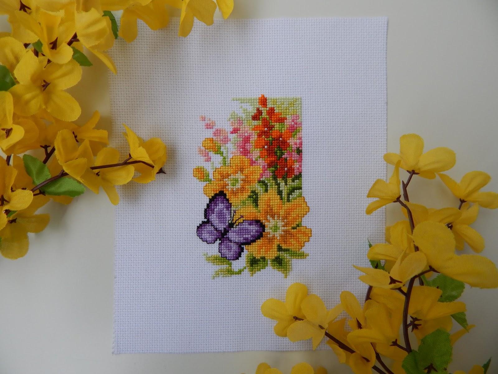 Motyl i kwiaty