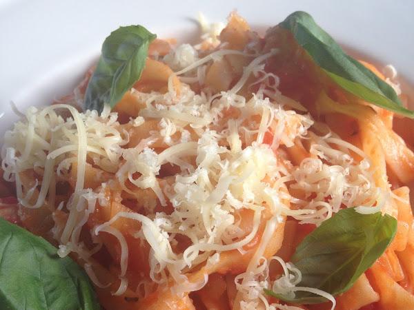 Tomato tagliatelle