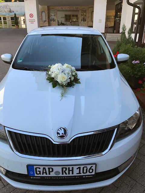 mit dem Hotelauto zum Standesamt, Hochzeit zu Dritt, kleine Familienhochzeit, Riessersee Hotel Garmisch-Partenkirchen, Bayern, freie Trauung