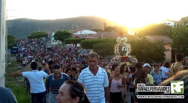 PROCISSÃO ENCERRA FESTA DO PADROEIRO DE MARCELINO VIEIRA