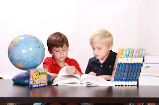Reading habits in students, how to develop reading habit in students, reading habits in children, tips to help young children develop good reading habits, activities to inculcate reading habits, importance of good reading habits, ways to encourage reading habits among students, Inculcating reading habits in children, niroop setty, www.forabettermeandyou.com, amazing tips to cultivate the reading habit in children