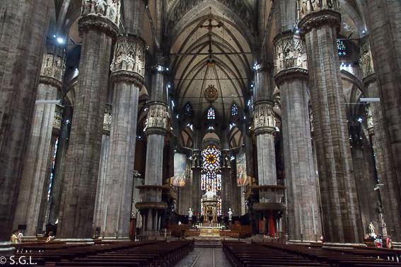 Interior catedral de Milan