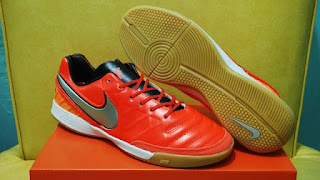 Nike Tiempo Mistik V Orange Light