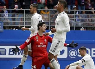 خمسة أسباب لسقوط ريال مدريد ، وفقا لتحليل الصحيفة الإسبانية