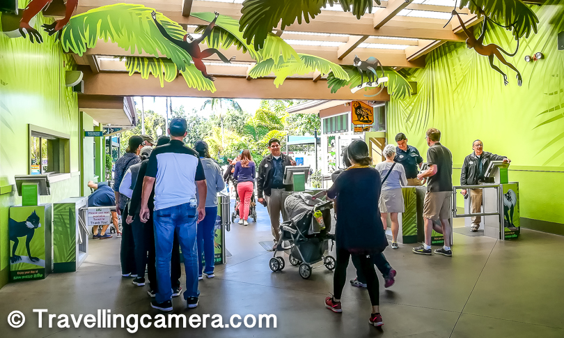 Above photograph shows the entry queues for San Diego Zoo, but they are quick as they scan the bar code on Go-Card or the ticket. Just next to the entry you would find a stack of Zoo maps, so don't forget to pick one. This zoo is huge, so it's important to get a sense what to find where, routes and create a priority list for you. Without a plan, it would be difficult to make best of your day here at San Diego Zoo. Keep a pen with you.