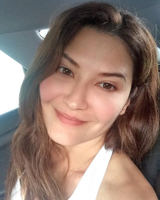 10 Artis Cantik Ini Rela Pindah Agama Demi Cinta - xwijaya.com
