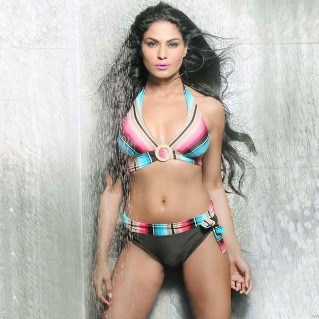 Veena Malik Hot