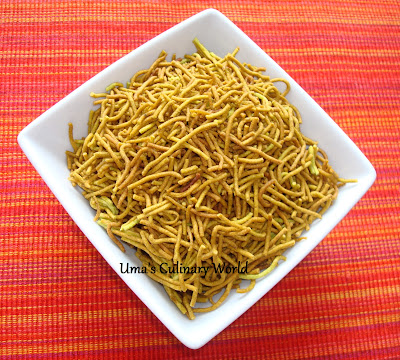 palak sev or spinach shev