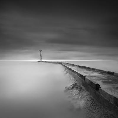 foto landscape dalam hitam putih bw mood