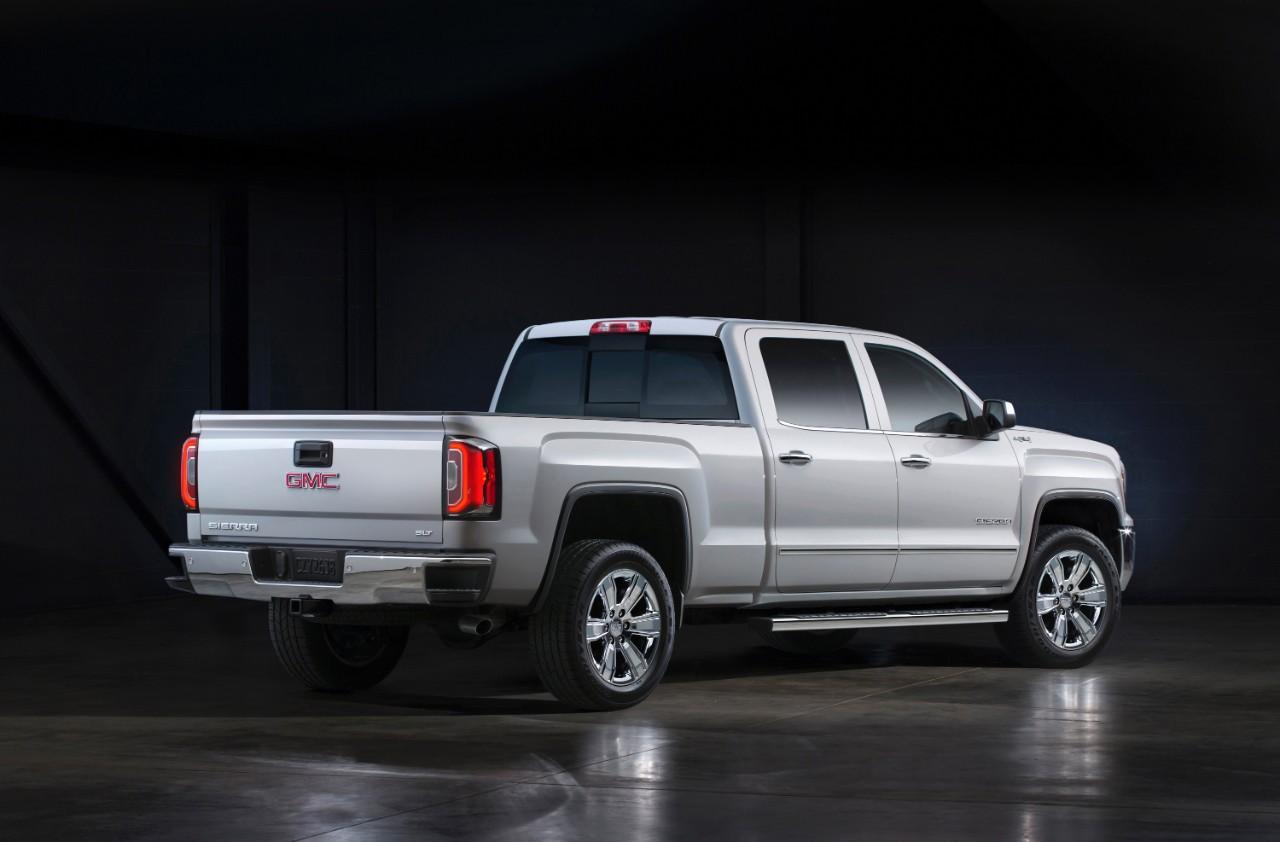 Tow vehicle spotlight 2017 gmc sierra chevrolet silverado