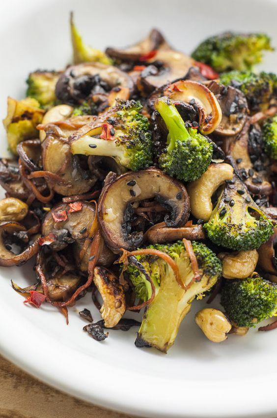 Broccoli And Mushroom Stir-Fry   Healthy Stir-Fry Recipes #broccoli #mushroom #stirfry #healthyfood #healthyrecipes #veggies #veganrecipes #vegetarianrecipes