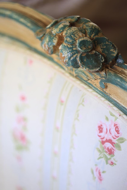 vintage french daybed close up details