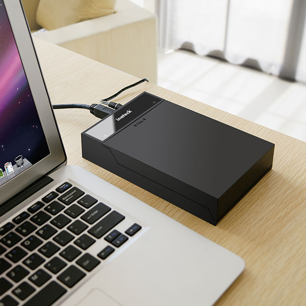 Covered USB3.0 SATA HDD Docking Station Review