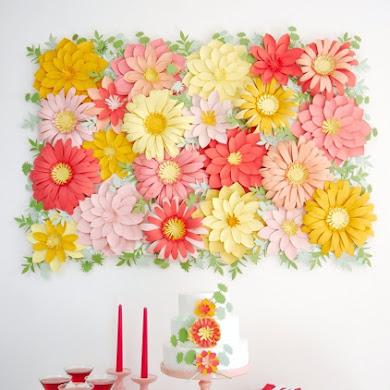 DIY Toile de Fond Florale en Fleurs de Papier