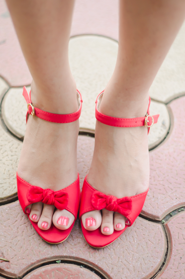 Red bow kitten heel sandals