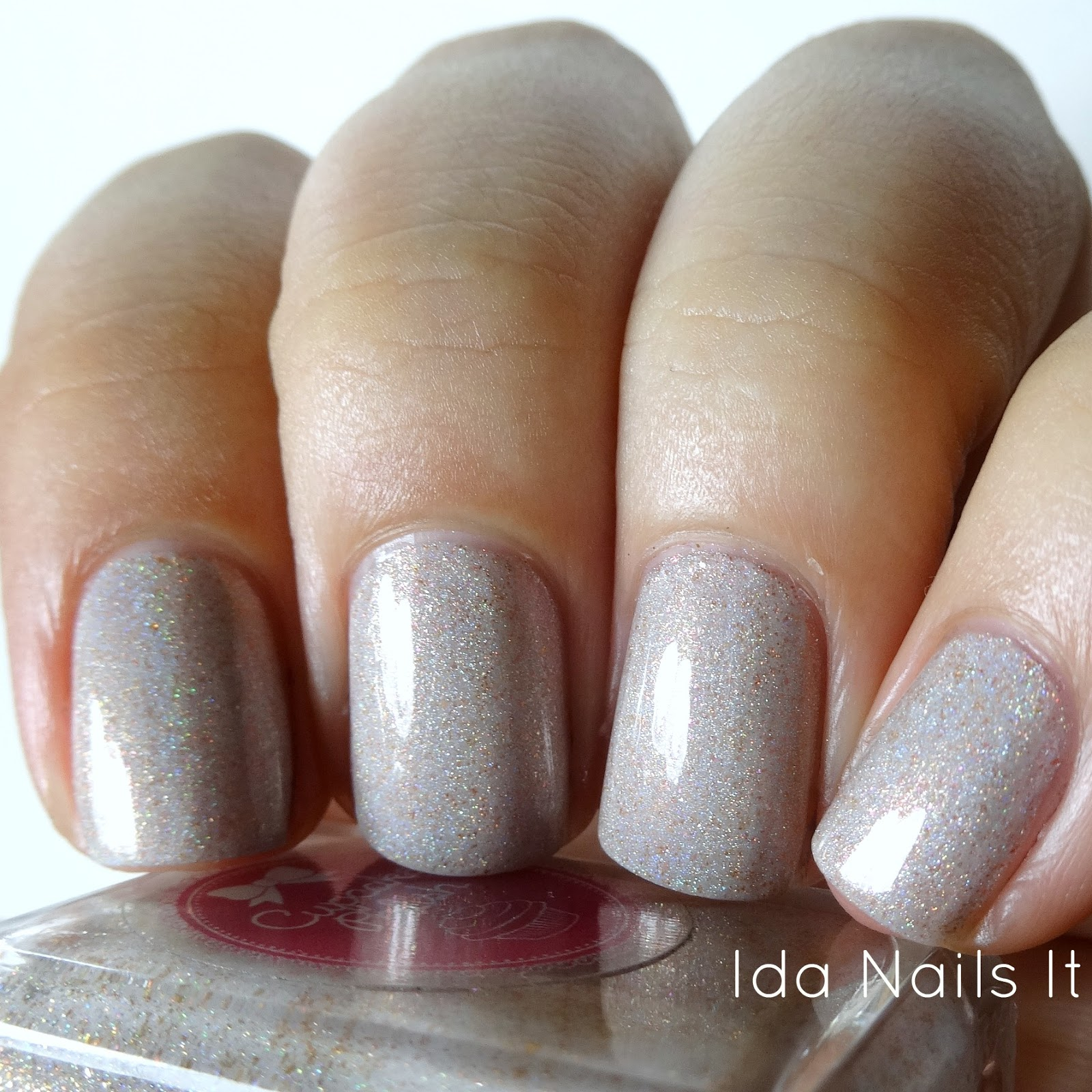 Ida Nails It: The Holo Hookup September 2016 Box: Swatches and Review