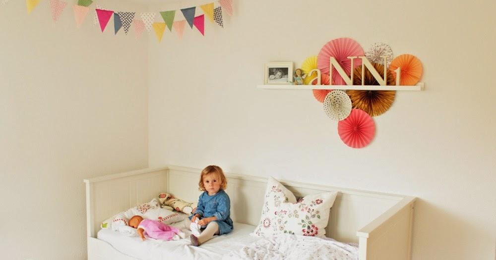 kinderzimmergestaltung teil ii buntes auf weiss scrap. Black Bedroom Furniture Sets. Home Design Ideas