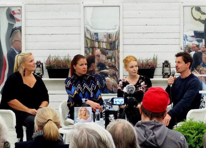 Raakel Lignell, Anna Puranen, Jenny Rostain ja Tommi Kovanen - Turun Kirjamessut 2017