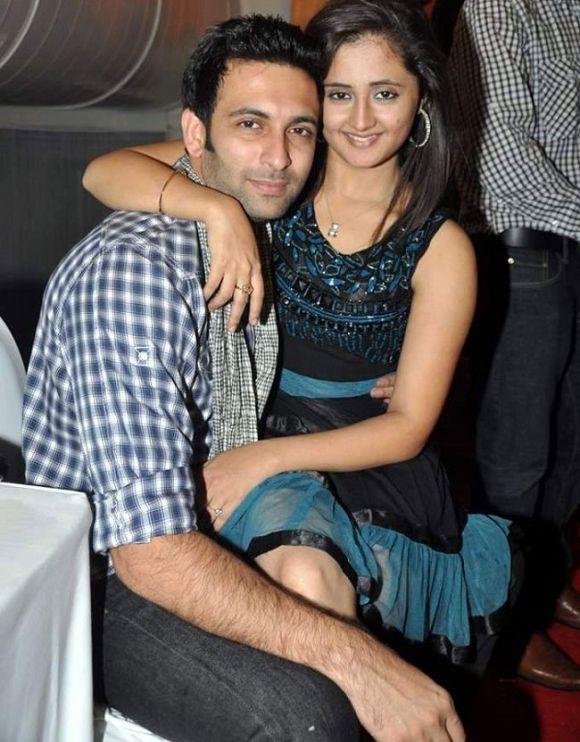 Uttaran stars Rashami Desai and Nandish Sandhu File for Divorce in a very close sexy still intimate hot