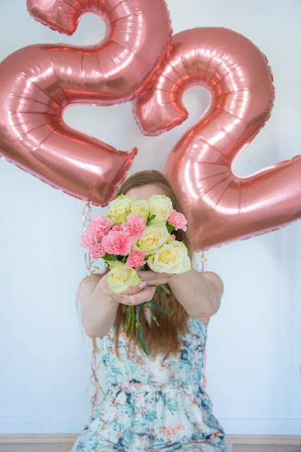 White Roses and Pink Flowers in Birthday Decorations Foil Balloons