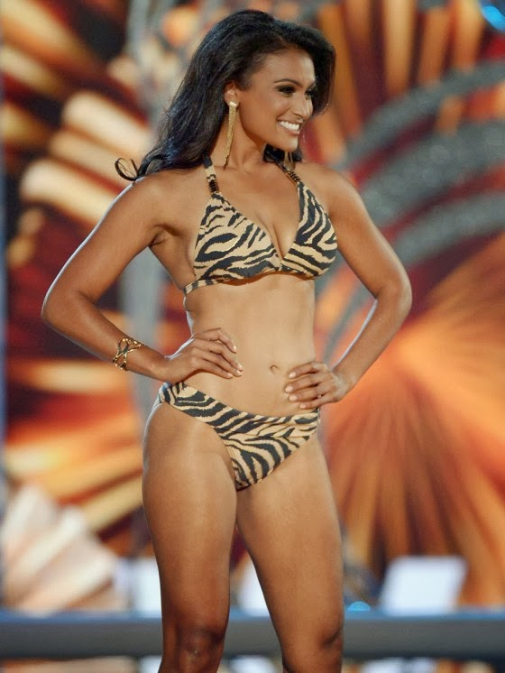 Miss America Nina Davuluri Hot and Sexy Bikini Photos