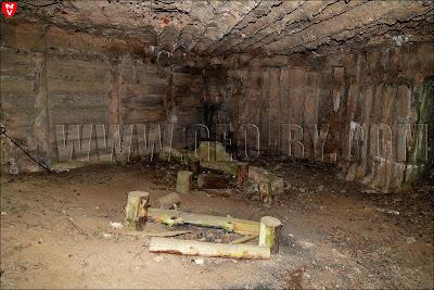 Пятый бункер-полукапонир. Внутри. Место отдыха