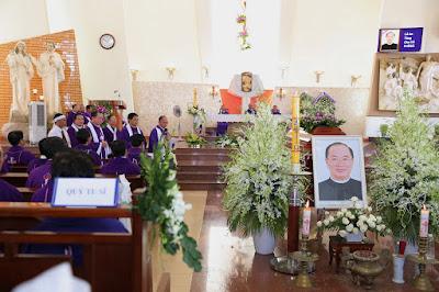 GP Bà Rịa: Thánh lễ an táng Cha Cố Phêrô Nguyễn Văn Giản - Ảnh minh hoạ 31
