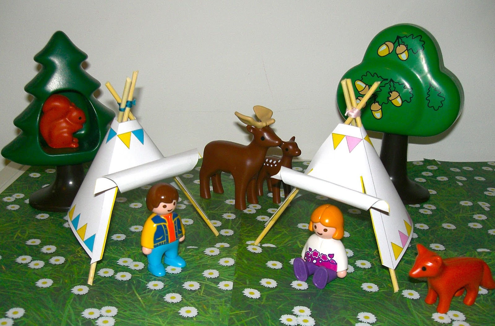 gabulle in wonderland diy du mercredi un tipi pour playmobil tuto. Black Bedroom Furniture Sets. Home Design Ideas