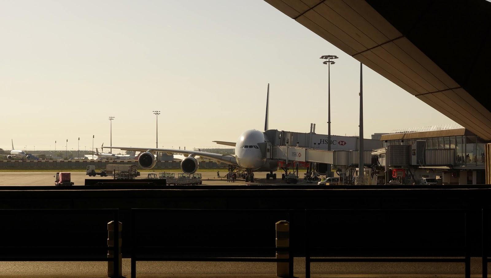 難忘歐high遊,Airbus A380黑老闆攝於巴黎戴高樂國際機場.。