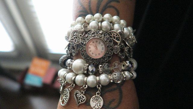 Image: Bracelets: Woman sharing how she made them herself on bits and babbles blog by Tangie Bell