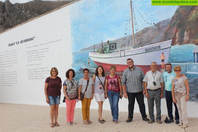Una gran pintura mural en la plaza de la Quisisana recuerda la tragedia del barco hundido en 1951