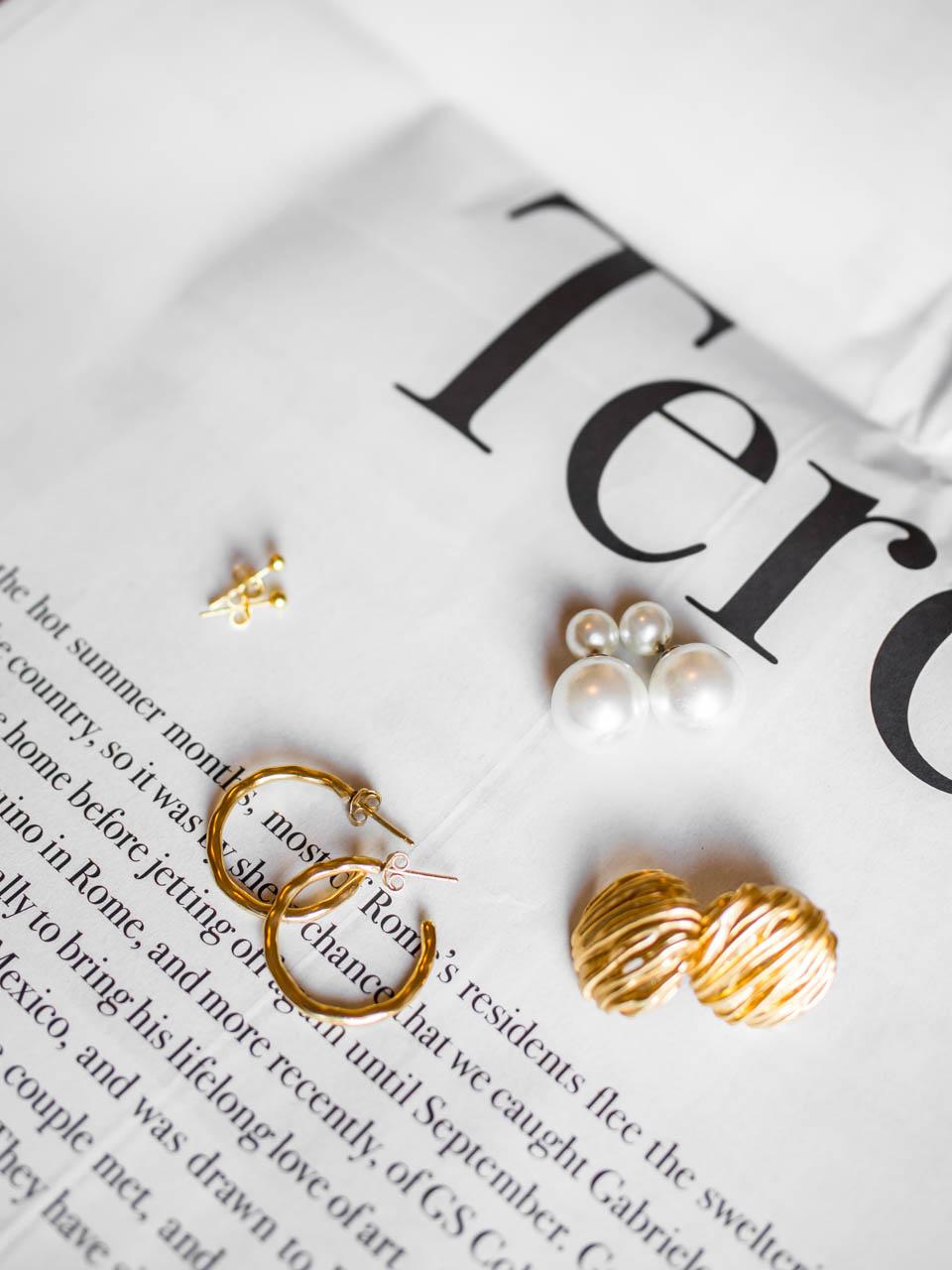 Jewellery flatlay - Korut, flatlay-kuvaus, tuotekuvaus