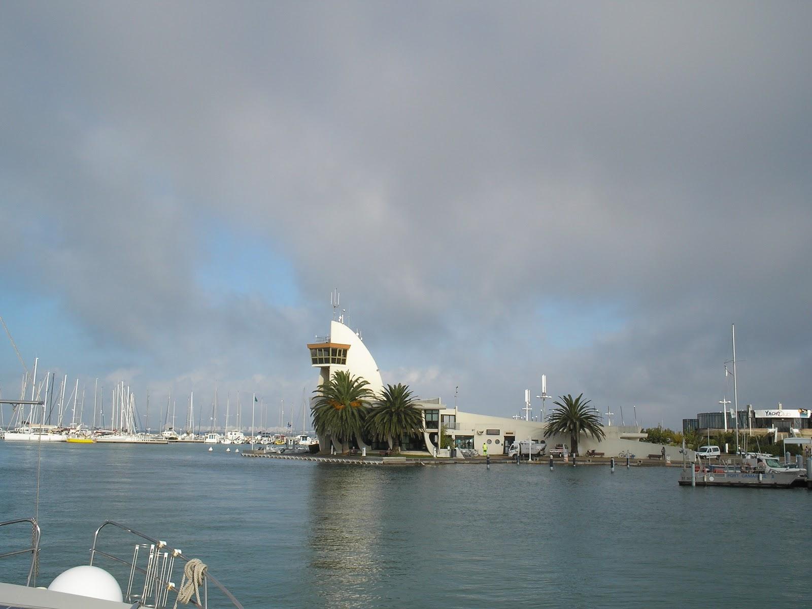 Blue lagoon le convoyage de cirrus - Capitainerie de port camargue ...