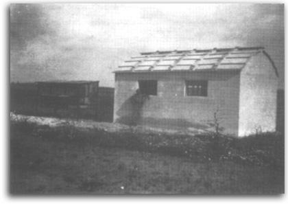 מבנה רפת ששימש למגורים, כפר נטר 1943
