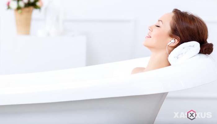 Obat batuk alami untuk ibu hamil - Mandi atau berendam di air hangat