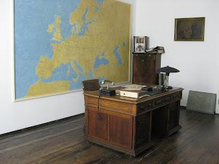 Oskar Schlinder's desk