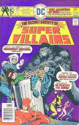 The Secret Society of Super-Villains #1, throw androids of the Justice League JLA in a trash can, rubbish bin